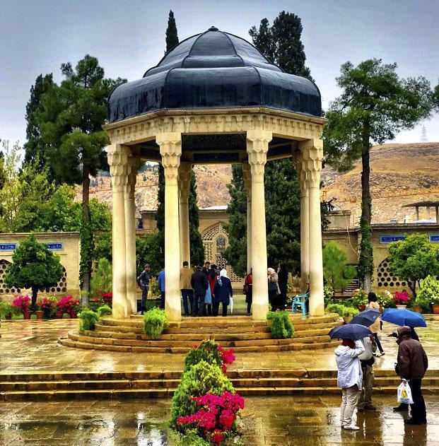 عکس حافظیه آرمگاه حافظ شیرازی + بیوگرافی