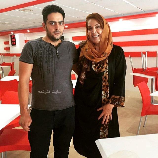 زهره حمیدی و پسر خوانده اش