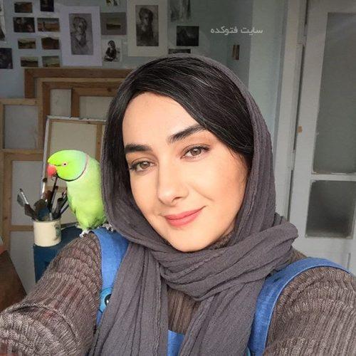 عکس هانیه توسلی با طوطی