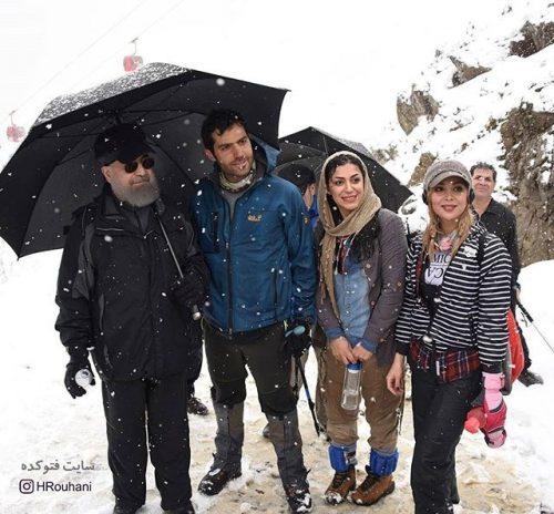 عکس کوهنوری حسن روحانی و عکس بادگاری با دختران