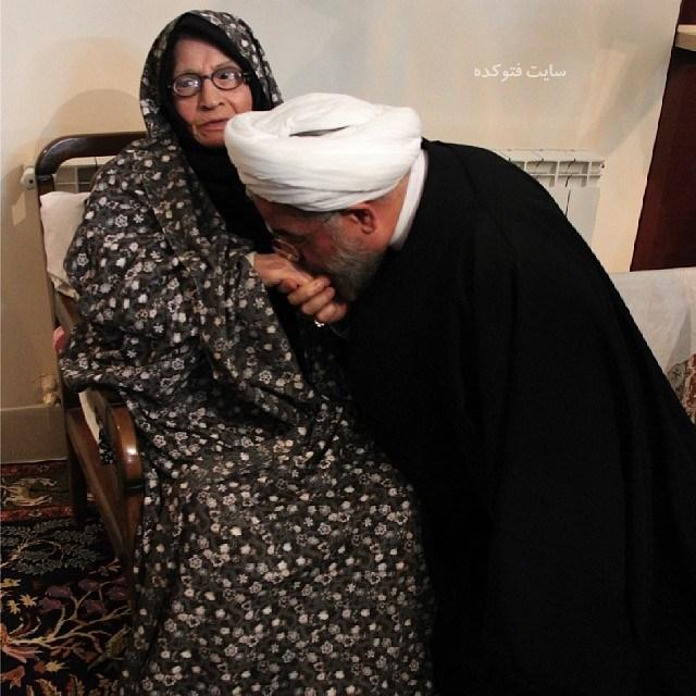 Hassan Rouhani و مادرش سکینه پیوندی