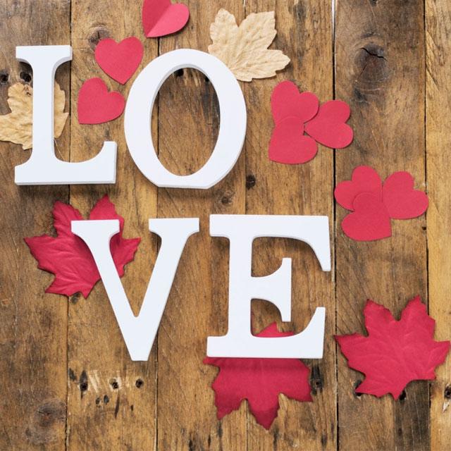 عکس پروفایل love با گل و قلب