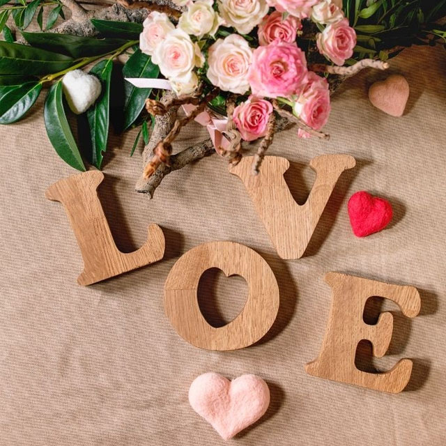 عکس قلب و گل عاشقانه با نوشته love