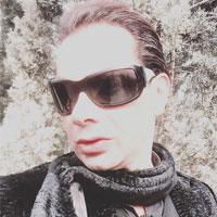 بیوگرافی ایمان اشراقی بازیگر خط قرمز + زندگی و همسرش
