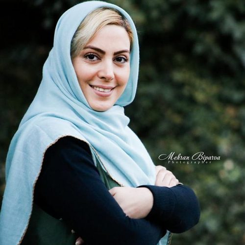 عکس نیلوفر شهیدی در بهمن 95