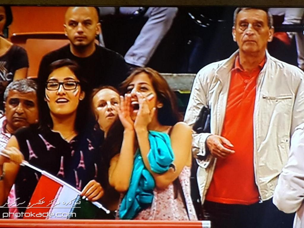 عکس تماشاگران والیبال ایران و آلمان,تماشاگران ایرانی والیبال با آلمان,عکس بازی والیبال ایران و آلمان,تماشاگران والیبال ایران و آلمان,باخت والیبال ایران,عکس