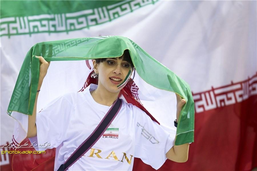 عکس تماشاگران والیبال ایران و ایتالیا,تماشاگران والیبال ایران و ایتالیا 2014,جام جهانی والیبال 2014,تماشاگران زن ایران جام جهانی والیبال 2014,تماشاگران زن