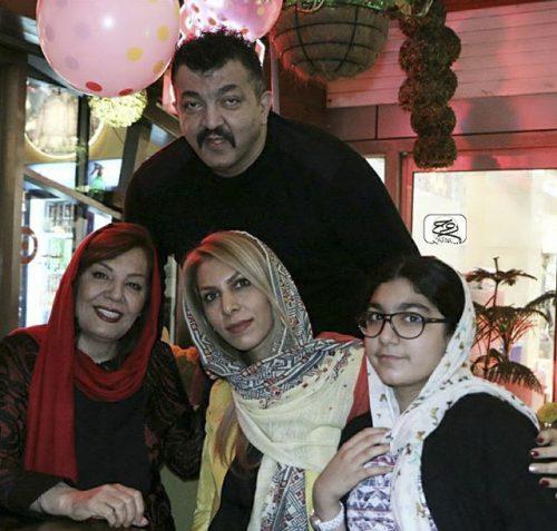 عکس احمد ایراندوست در کنار همسر و دخترش +زهره حمیدی