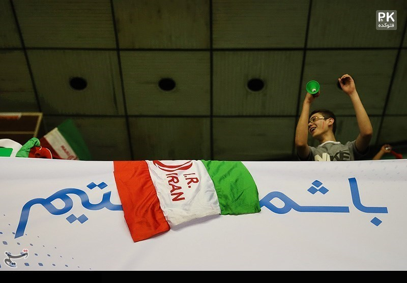 عکس تماشاگران والیبال ایران و آمریکا در بازی دوم در آزادی لیگ جهانی 2015,عکس تماشاگران والیبال ایران و آمریکا در آزادی,عکسهای بازی والیبال ایران و آمریکا