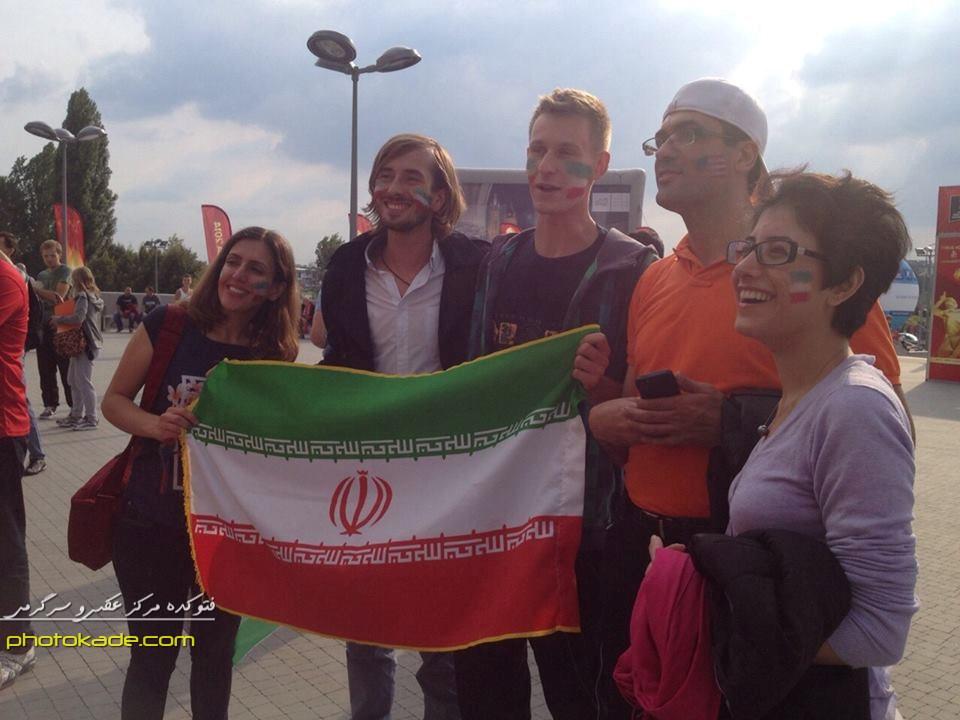تماشاگران زن والیبال ایران و آمریکا در جام جهانی والیبال 2014 لهستان