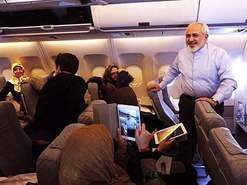 حادثه برای هواپیمای جواد ظریف وزیر امور خارجه,خطر بیخ گوش جواد ظریف,حادثه برای هواپیمای وزیر امور خارجه,از باند خارج شدن هواپیمای ظریف,حادثه برای جواد ظریف