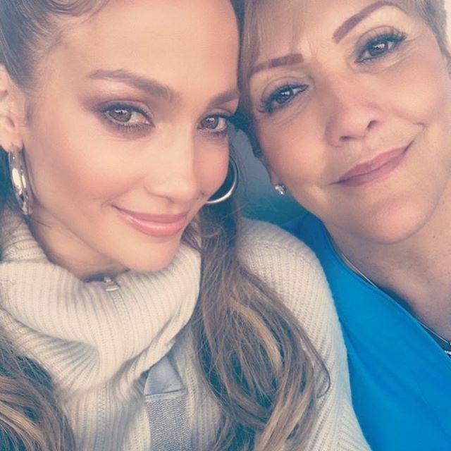 عکس جنیفر لوپز و مادرش