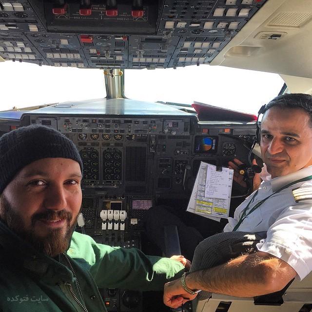 عکس کامبیز دیرباز در کابین خلبان