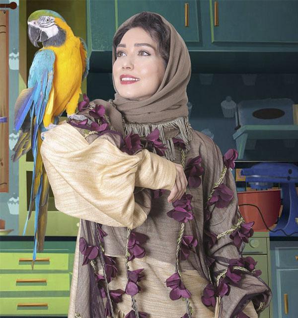 عکس شهرزاد کمال زاده و طوطی خانگی اش