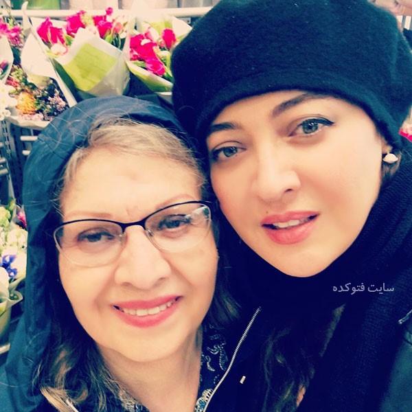عکس نیکی کریمی Niki Karimi و مادرش در خارج