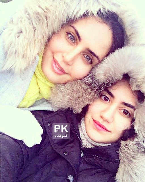 عکس الناز شاکردوست در کنار خواهرش