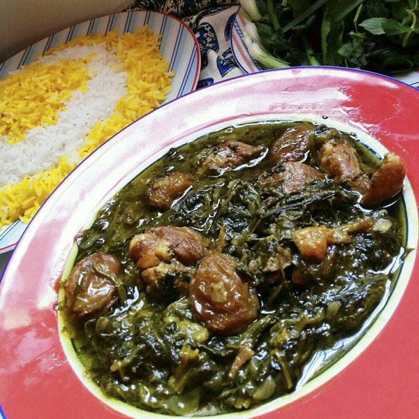 خورشت آلو اسفناج با مرغ یا گوشت