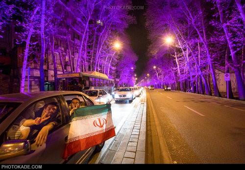 عکس های شادی مردم بعد از توافق هسته ای در خیابانها,عکس رقص و پایکوبی مردم در خیابان های تهران,عکس های شادی مردم بعد از توافق,عکس های جشن هسته ای مردم