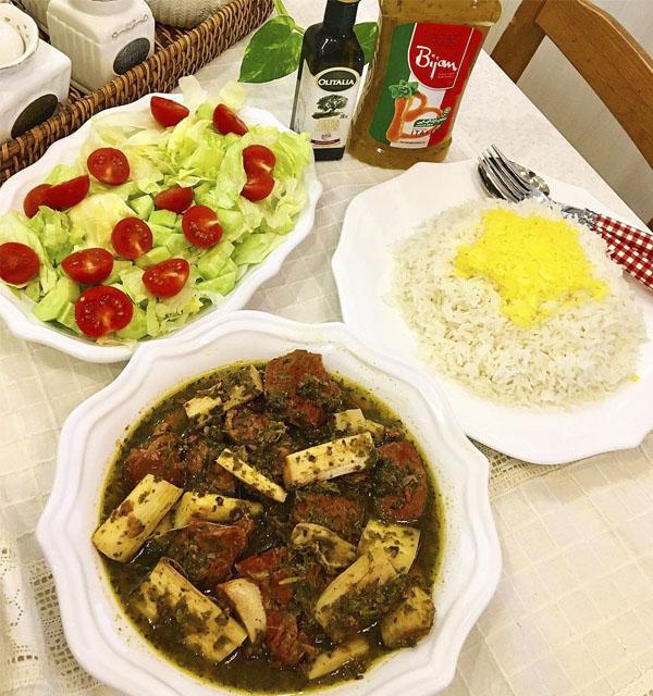 طرز تهیه خورشت ریواس در سایت فتوکده بخوانید | photokade.com