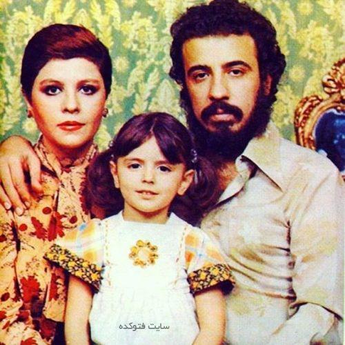 لیلا حاتمی در کنار پدرش علی حاتمی و مادرش زری خوشکام