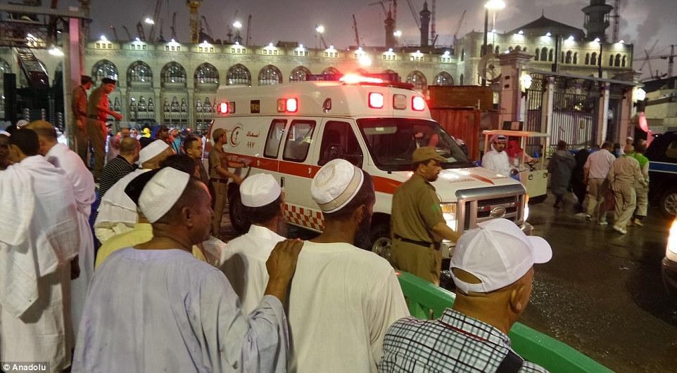 عکس های سقوط جرثقیل در مکه,امار کشته ها در مکه,ایرانی های کشته شده در سقوط جرثقیل در مکه,کشته شدن 87 نفر در حادثه مکه,حادثه سقوط جرثقیل کنار کعبه با عکس