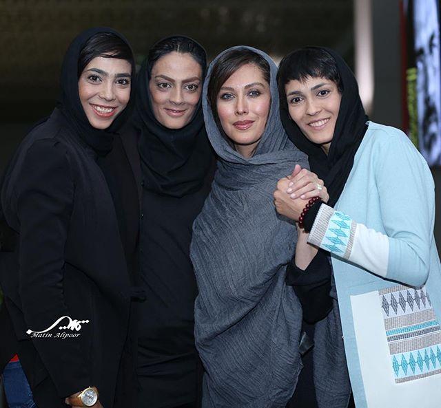 عکس مهتاب کرامتی در کنار خواهران منصوریان