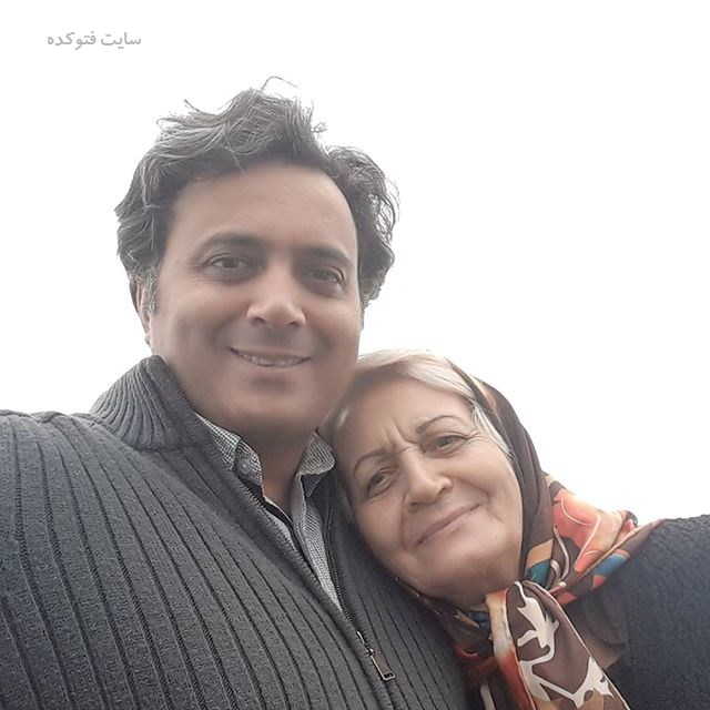 عکس مجید اخشابی و مادرش + بیوگرفی کامل