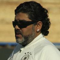 مارادونا در ایران | عکس دیگو مارادونا در جزیزه قشم