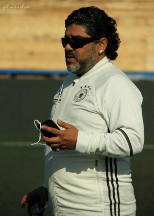 عکس دیگو مارادونا در جزیزه قشم,مارادونا در ایران,مارادونا  همه را در قشم غافلگیر کرد,حضور جنجالی مارادونا در ایران جزیزه قشم,دیگه مارادونای آرژانتینی در ایران