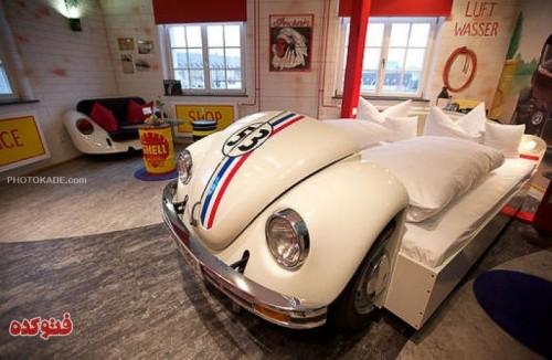 عکس استفاده جالب از ماشین های قدیمی,کاربری جالب از ماشین های قدیمی,طریقه استفاده از ماشین های اسقاطی,تصاویر جالب از ماشین قدیمی در دکوراسیون خانه,ماشین قدیم