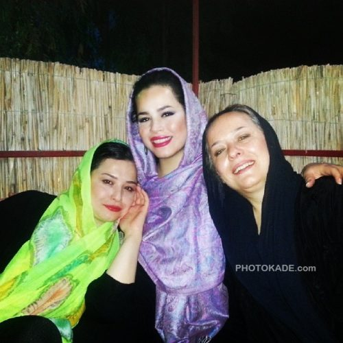 ملیکا شریفی نیا + خواهرش ملیکا و مادرش آزیتا حاجیان