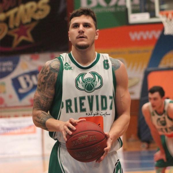 عکس های مایک رستم پور بسکتبالیست