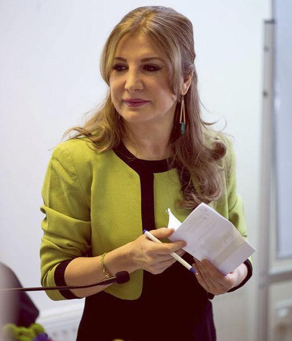 میترا بابک روانشناس شبکه من و تو کیست