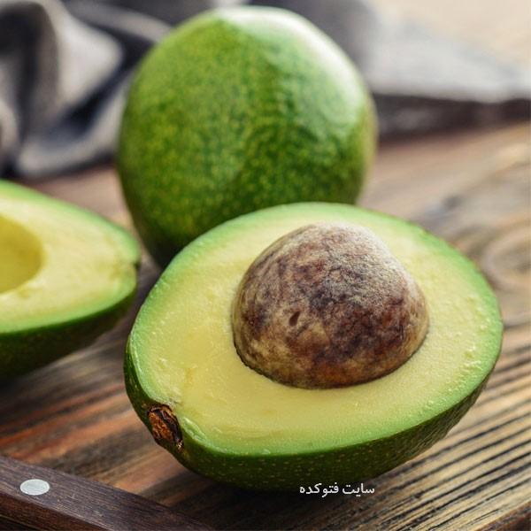 آووکادو از میوه های برای افزایش وزن + آیا می دانید چه میوه هایی باعث چاقی میشود
