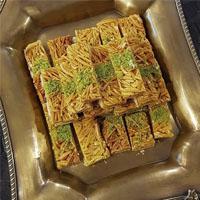 طرز تهیه شیرینی ملکه بادام خوشمزه و خانگی عید نوروز