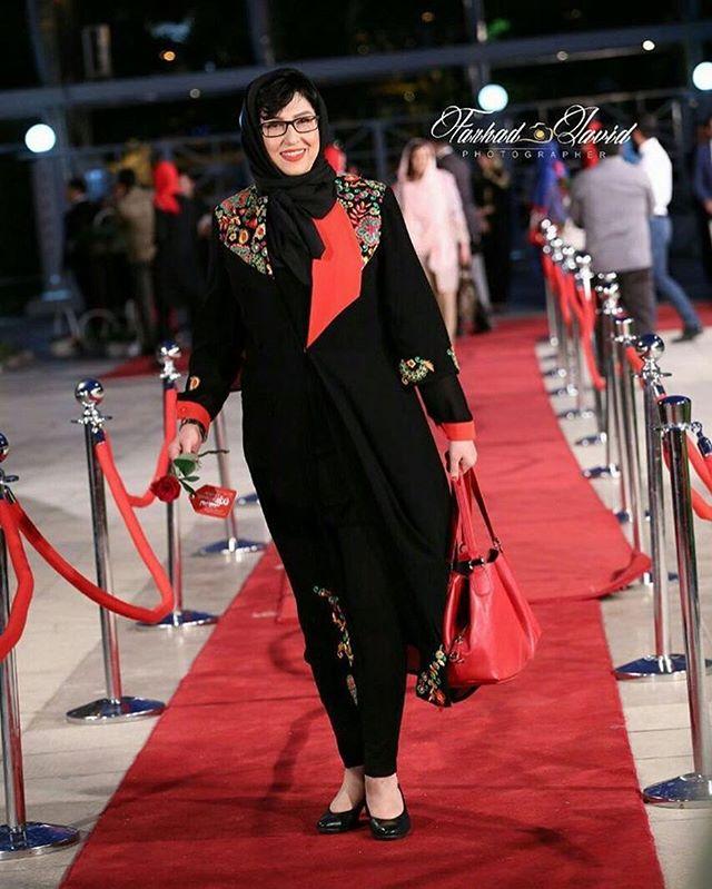 عکس مدل لباس معصومه کریمی در جشنواره حافظ 95