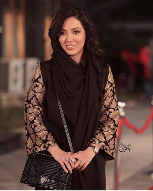 عکس مدل لباس لیلا اوتادی در جشنواره حافظ 95