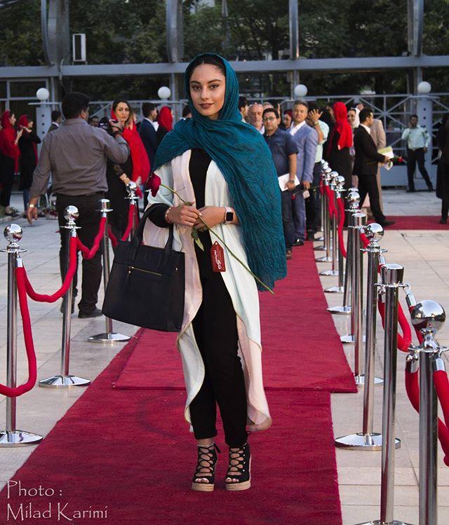 عکس مدل لباس ترلان پروانه در جشنواره حافظ 95