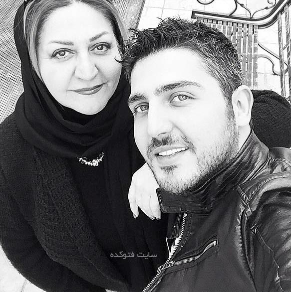 عکس محمدرضا غفاری و مادرش + بیوگرافی