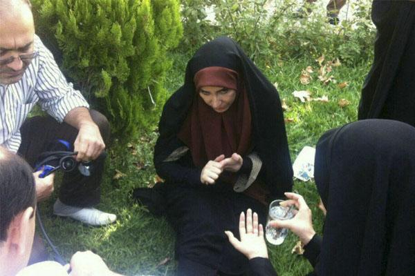بیهوش شدن معصومه احمدی مجری هواشناسی,فیلم بیهوش شدن مجری هواشناسی صدا سیما در برنامه زنده