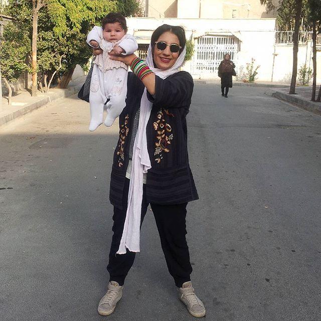 عکس فرزانه تفرشی همسر و رونا دختر مجتبی پیرزاده