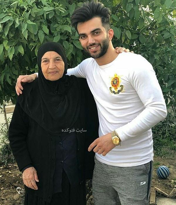 پویان مختاری خواننده و مادرش + بیوگرافی کامل