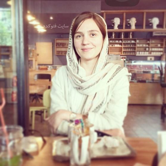 بیوگرافی مونا احمدی با عکس های شخصی