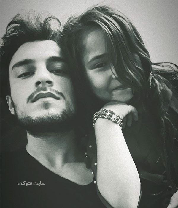 عکس مرتضی امینی تبار و خواهرش لیلا