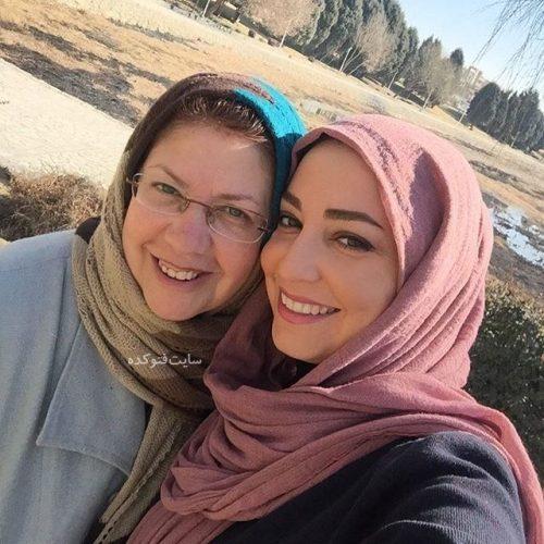 عکس شیرین صمدی و مادرش