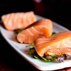 مواد غذایی برای رشد مژه ماهی سالمون