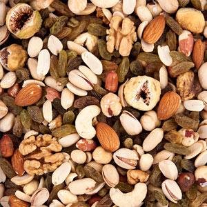 مواد غذایی برای رشد مژه آجیل