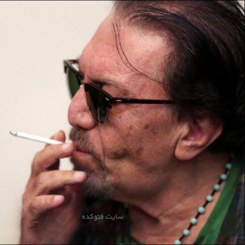 سیگار کشیدن ناصر چشم آذر