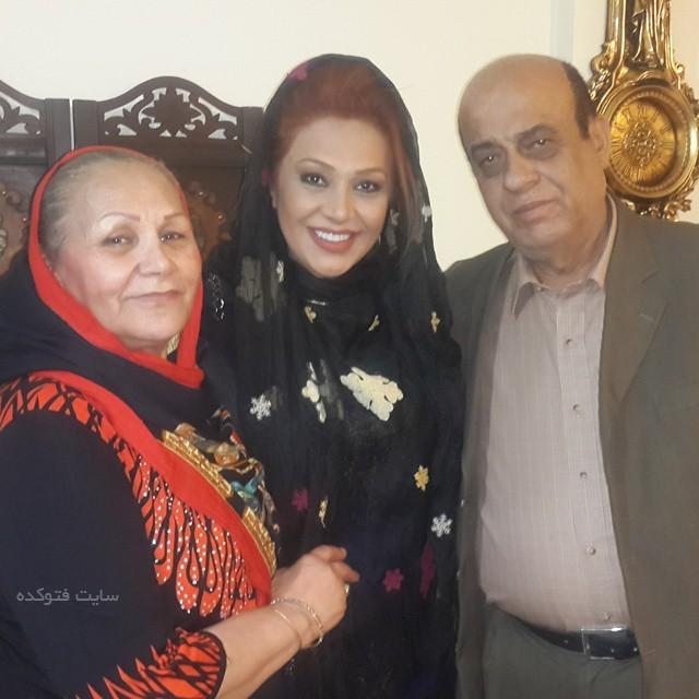 عکس پدر و مادرش