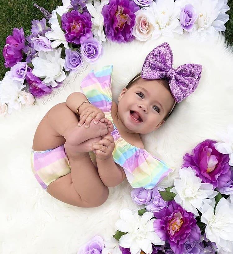 عکس نی نی کوچولو دختر خوشحال